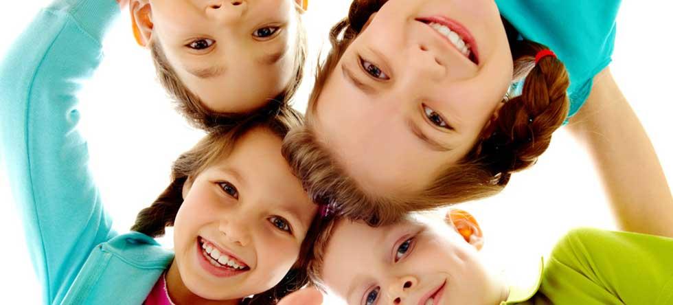 kid 39 home services de garde d 39 enfants domicile agr e. Black Bedroom Furniture Sets. Home Design Ideas